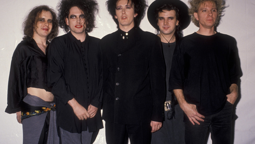 UNIVERSAL CITY, CA - SEPTEMBER 6:  The Cure attends Sixth Annual MTV Video Music Awards on September 6, 1989 at the Universal