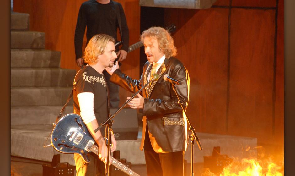 Chad Kroeger (in Deutschland geboren), Sänger Musikgruppe 'Nickelback', Thomas Gottschalk (re.), ZDF-Show 'Wetten, dass?', B