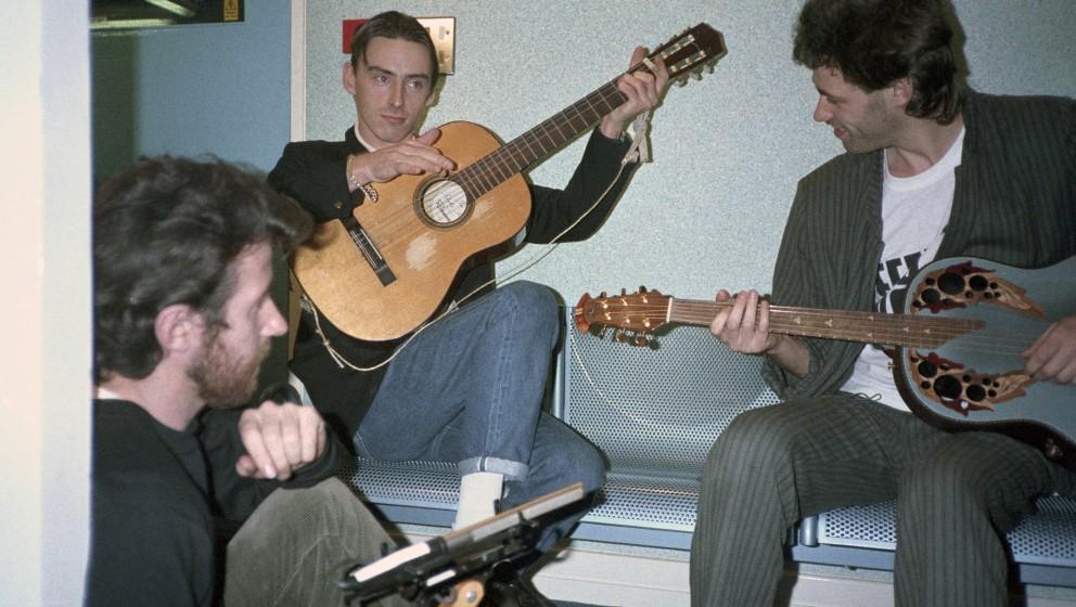 UNITED KINGDOM - NOVEMBER 26:  BASING ST STUDIOS  Photo of Bob GELDOF and Paul WELLER and BAND AID, Paul Weller & Bob Gel