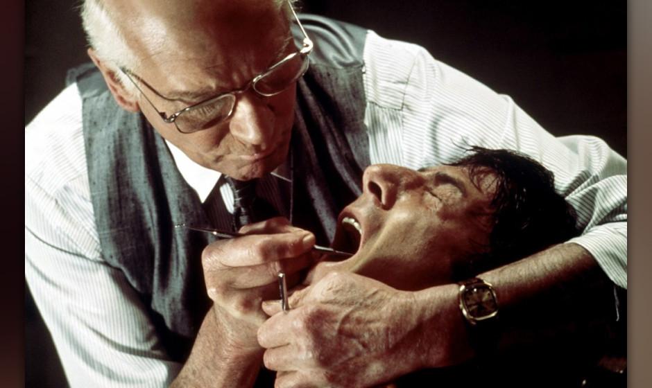 Laurence Olivier und Dustin Hoffman in 'The Marathon Man', 1977. Hier war Towne Script Doctor, zählte nicht zum offiziellen