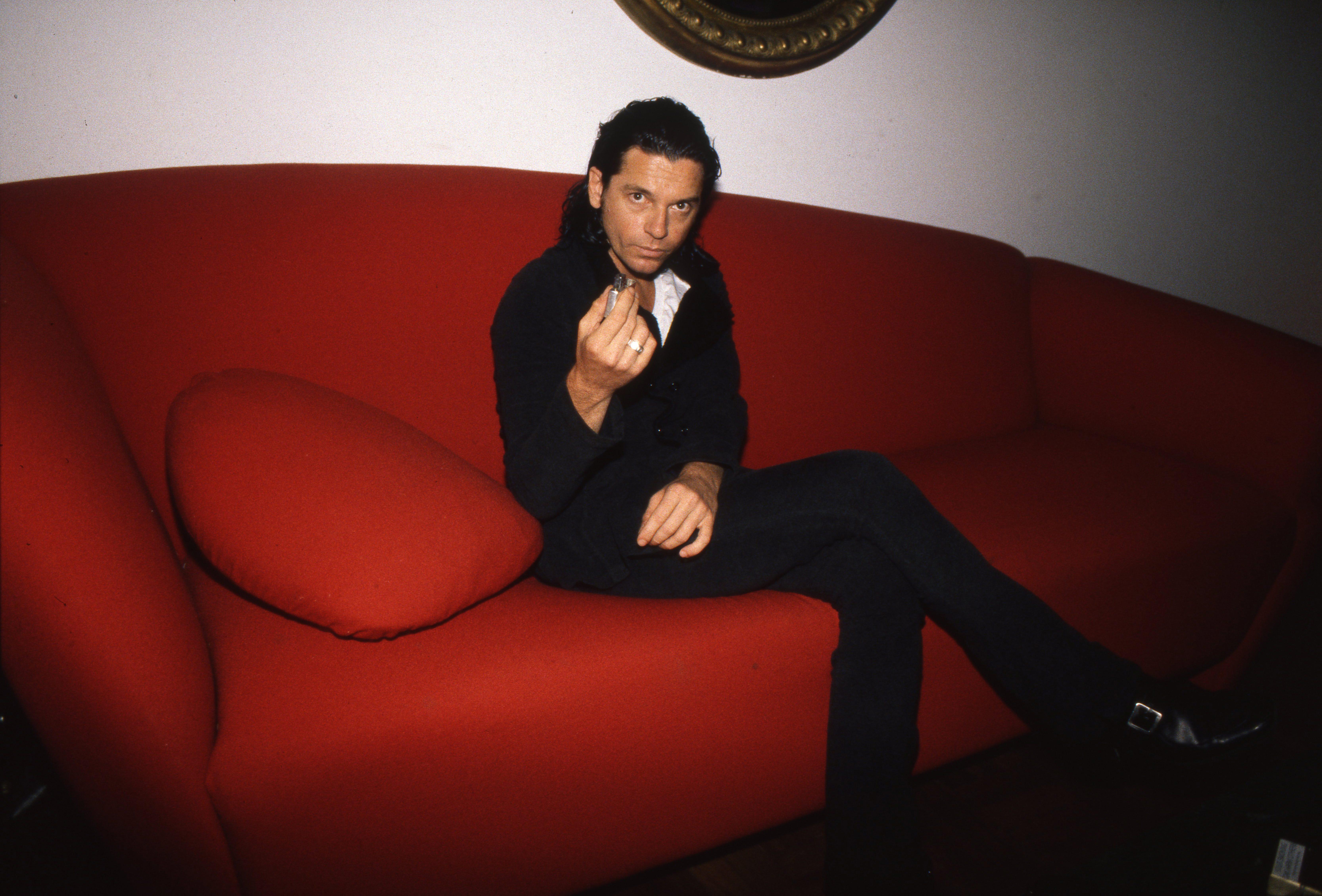 Michael Hutchence posiert für Portrait-Fotos (1996)