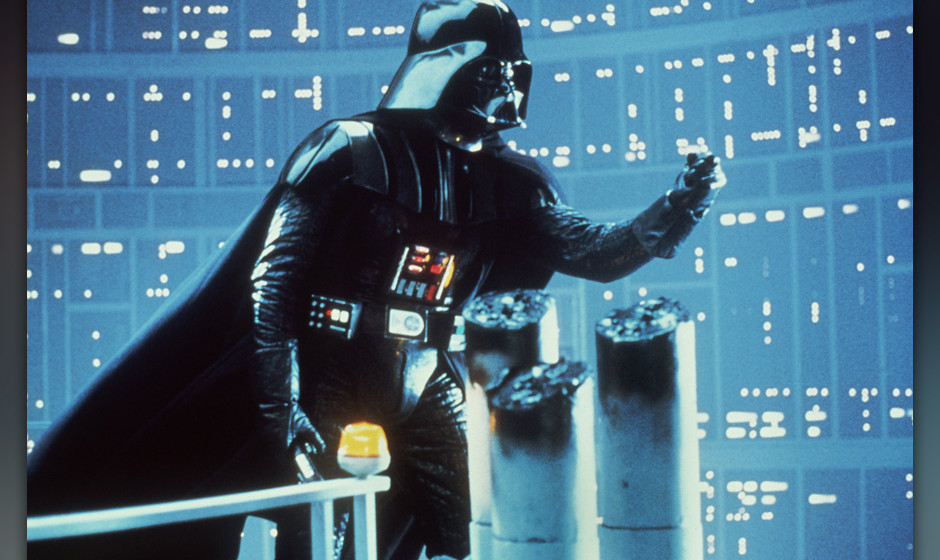 David Prowse als Darth Vader, die Inkarnation des Bˆsen, in einer Szene des Science Fiction-Films  'Star Wars - Die R¸ckkeh