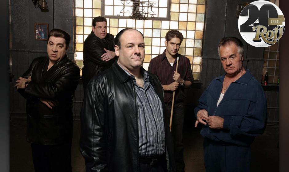 THE SOPRANOS [US TV SERIES 1999-2007]  Series,2/Episode,11/'House Arrest'  [L-R] STEVE VAN ZANDT as Silvia Dante,  STEVEN R.