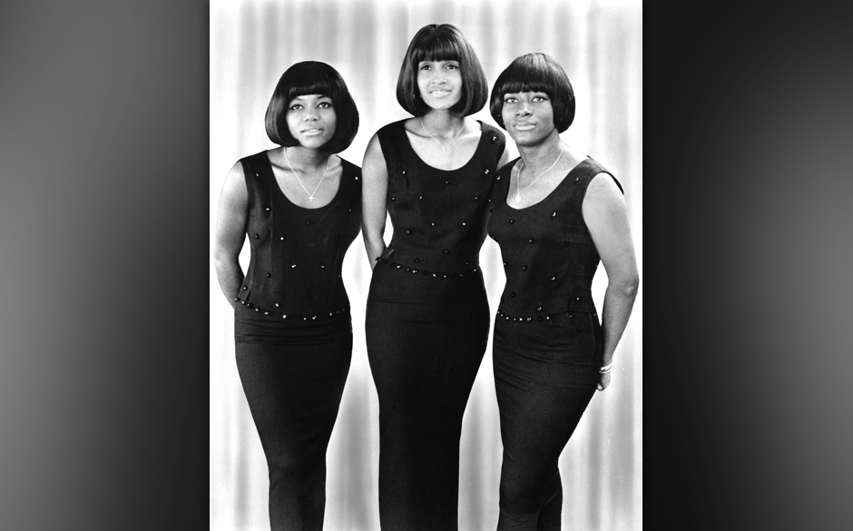 CIRCA 1967:  Former Ike and Tina Turner backup singers and recording artists The Mirettes (formerly The Ikettes) (L-R Jessie