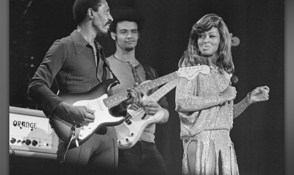 Ike Turner (1931 - 2007, left) and Tina Turner performing on stage, London, 27th November 1973. (Photo by Michael Putland/Get