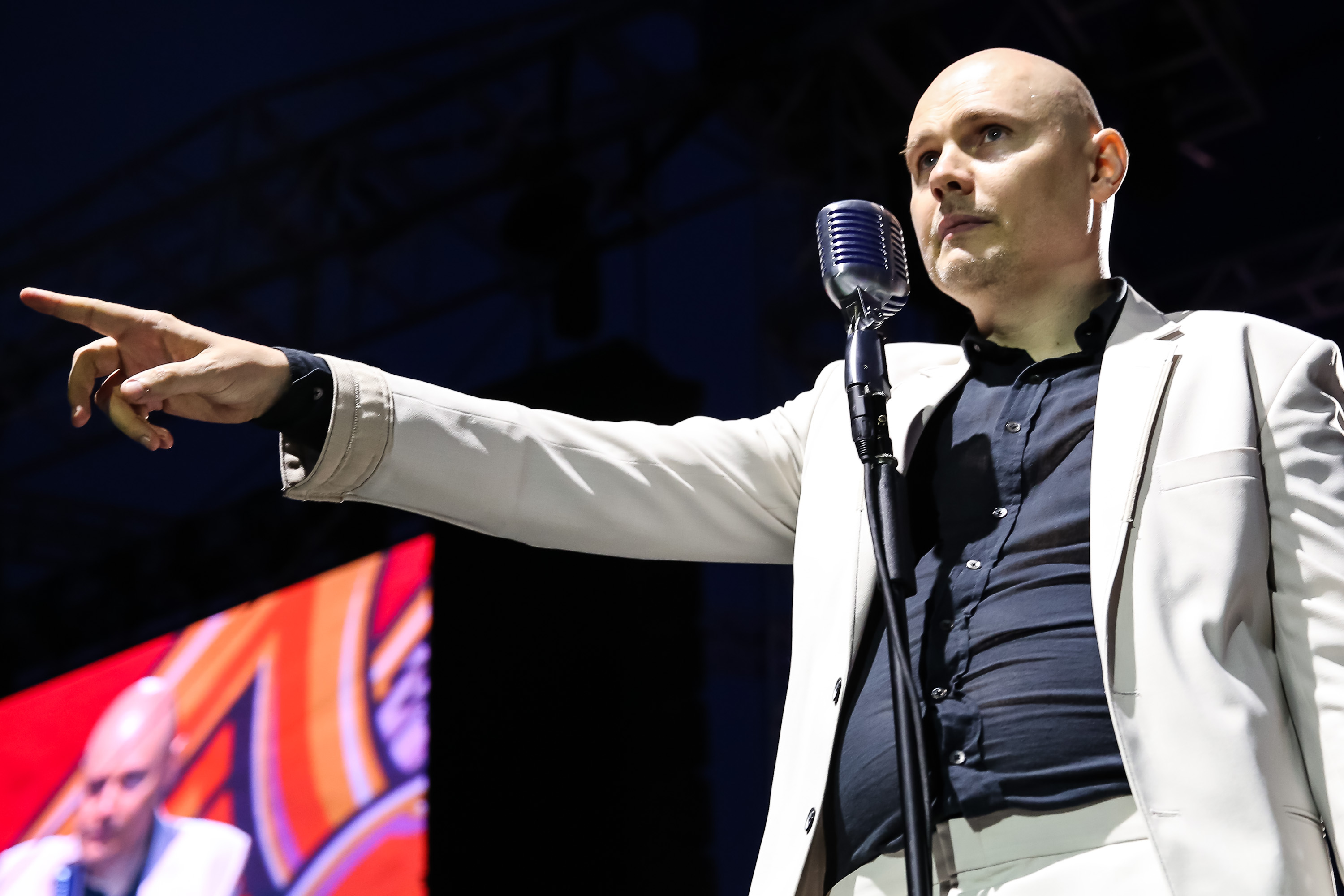 CLEVELAND, OH - JULY 21:  Vocalist Billy Corgan of Smashing Pumpkins accepts the 'Vanguard' award at the 2014 Gibson Brands A