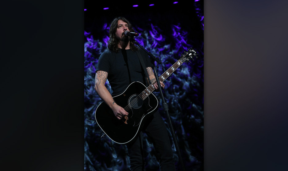 NEW YORK, NY - JANUARY 31:  Dave Grohl of Foo Fighters  performs at 'Howard Stern's Birthday Bash' presented by SiriusXM, pro