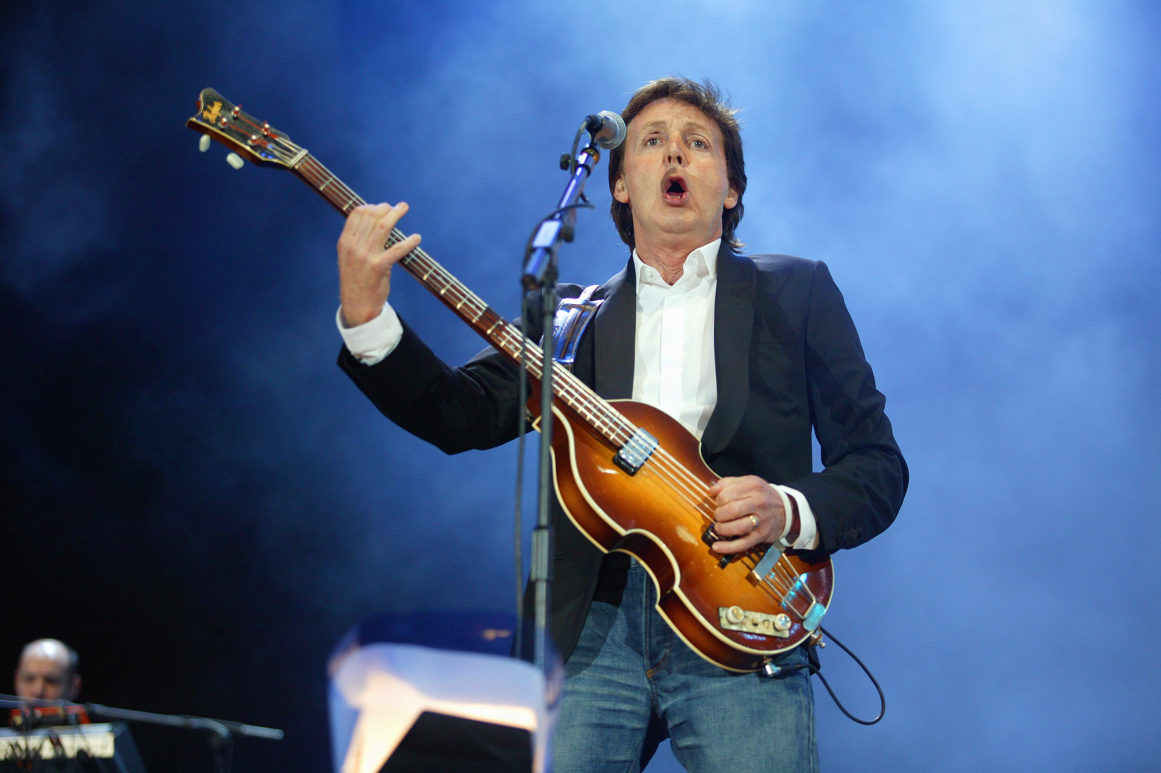 UNITED KINGDOM - JULY 02:  HYDE PARK  Photo of LIVE 8 and Paul McCARTNEY, performing live onstage at Live 8, playing Hofner 5