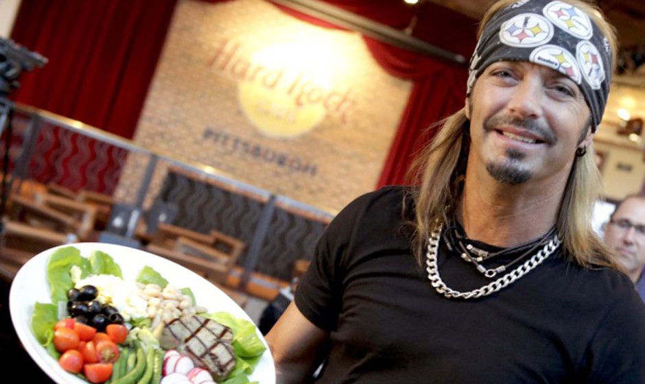 Legendary rocker and Pittsburgh-area native Bret Michaels stops by Hard Rock Cafe Pittsburgh to introduce the new Bret Salad,