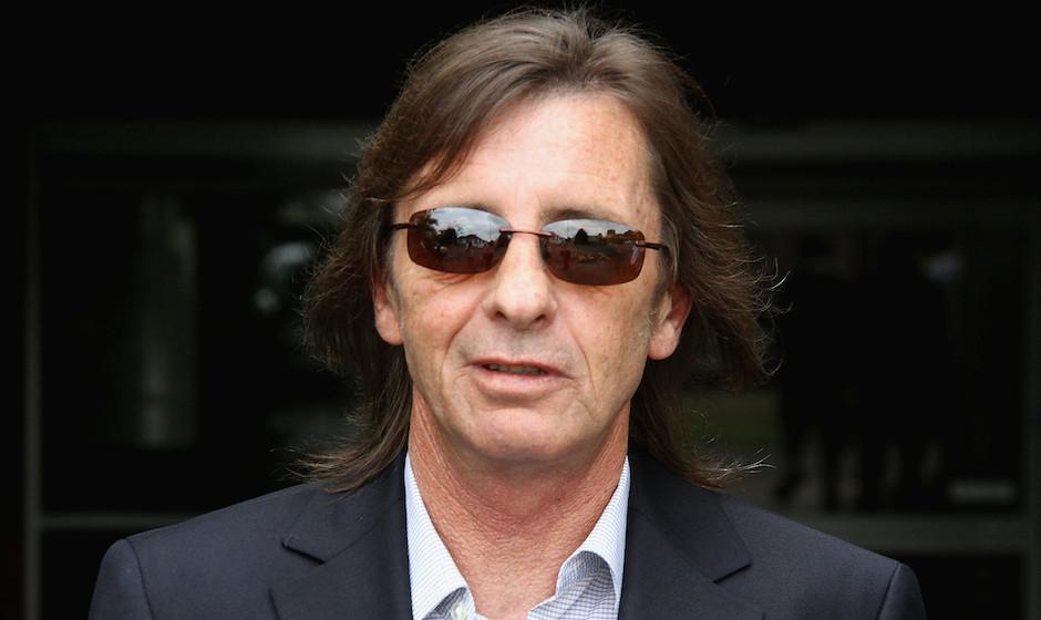 TAURANGA, NEW ZEALAND - DECEMBER 01: (NEW ZEALAND NEWSPAPERS OUT)  AC/DC drummer Phil Rudd leaves Tauranga District Court fol