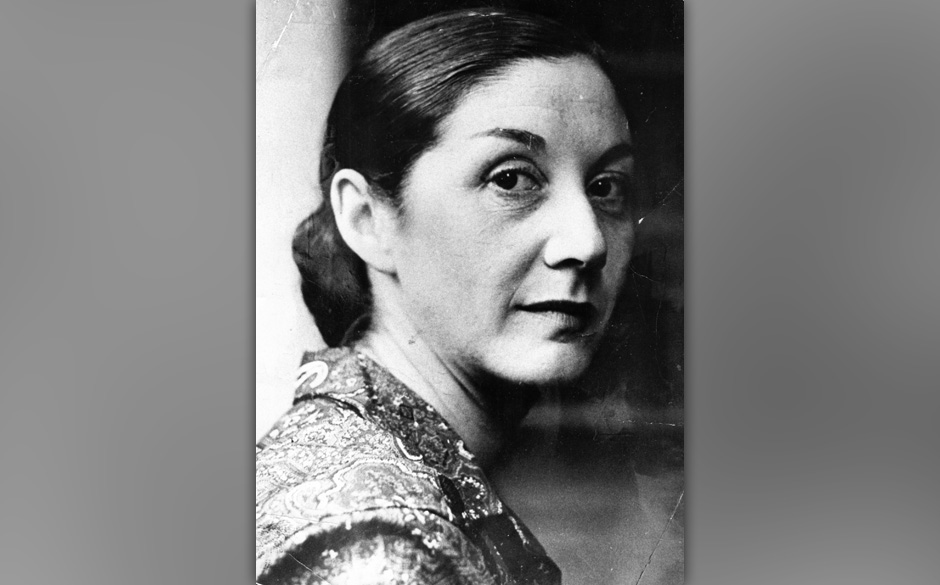 SOUTH AFRICA - DECEMBER 22, 1974: South African writer, novelist and political activist Nadine Gordimer. (Photo by Gallo Imag