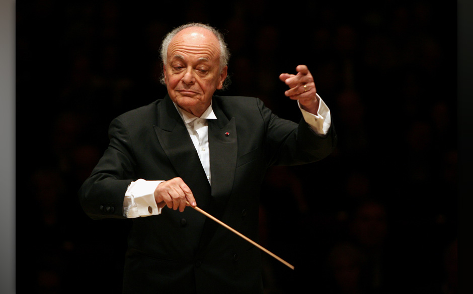Lorin Maazel leading the Boston Symphony Orchestra in two Beethoven Symphonies (No. 6 & 7) at Carnegie Hall on Monday nig