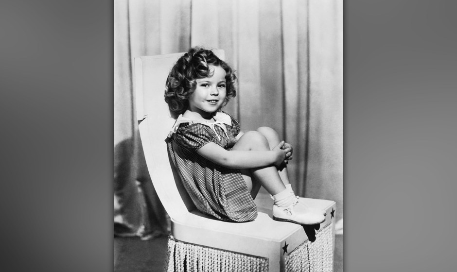 A portrait of child movie star Shirley Temple, Hollywood, California, mid 1930s. (Photo by Underwood Archives/Getty Images)
