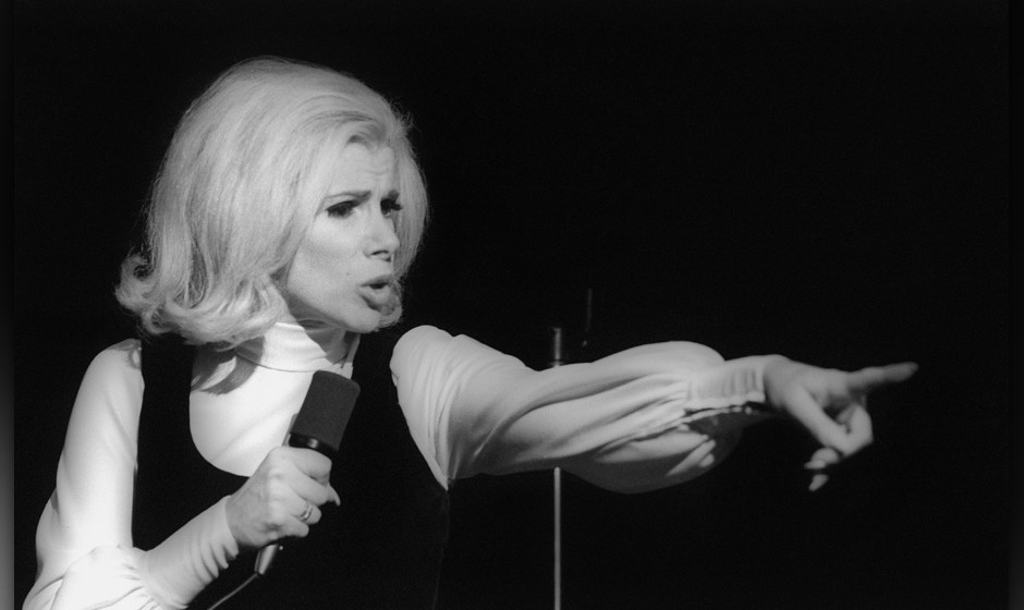 NEW YORK - NOVEMBER 1970:  Comedienne Joan Rivers performs live in November 1970 in New York City, New York. (Photo by I.C. R