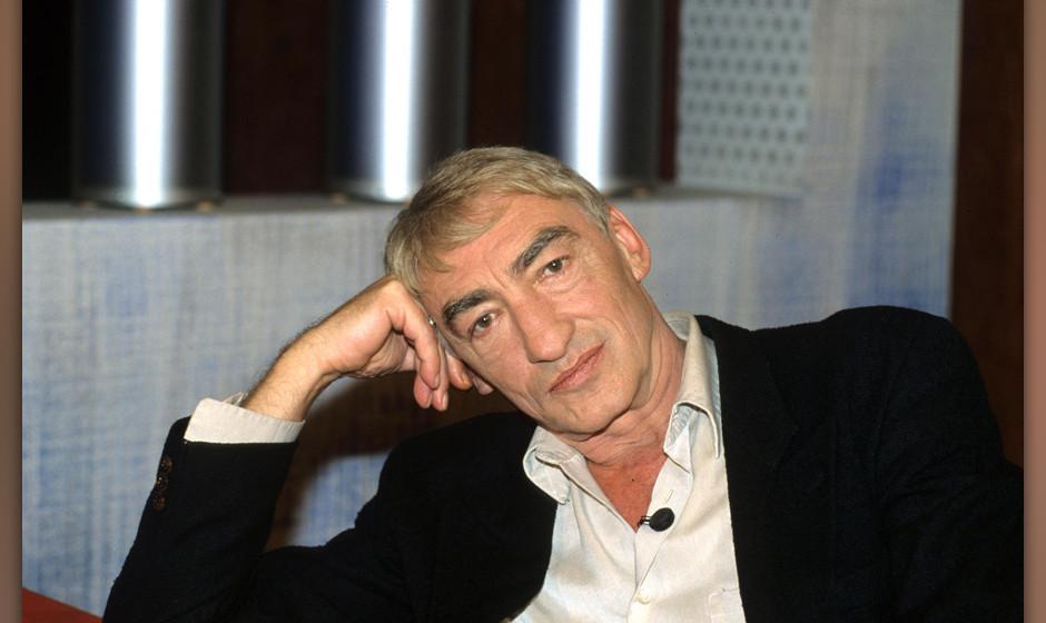 Der Schauspieler Gottfried John, aufgenommen im Jahre 2002 in Kˆln. Foto: Horst Galuschka