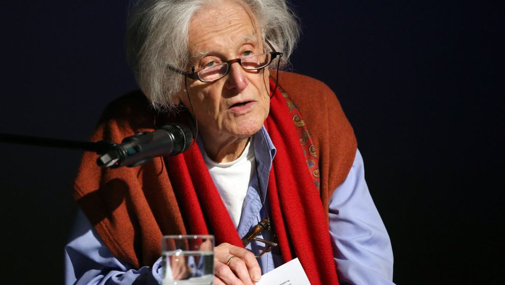 FILE - In this Jan. 27, 2014 file photo German author Ralph Giordano speaks during an awarding ceremony in Hamburg, Germany.