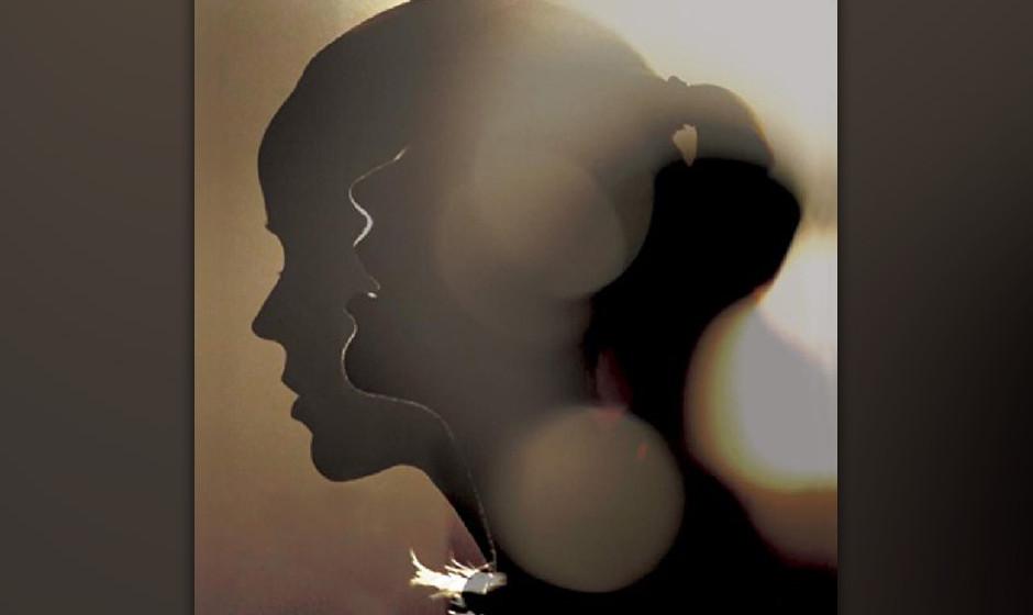 Tina Dico, 'Whispers': 2 Sterne. Feierlich-düstere Innenansichten mit reduziertem Instrumentarium.