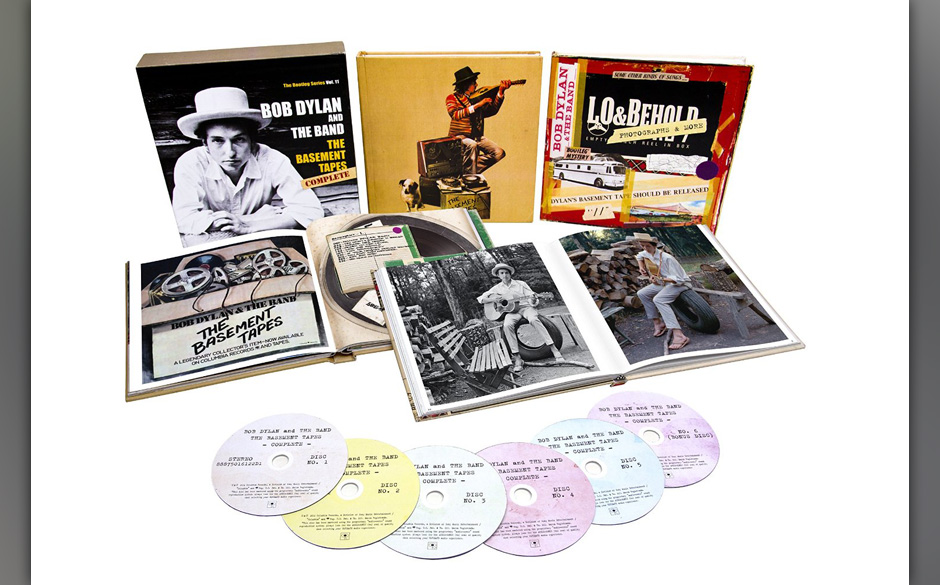Wer die frühen Liedtexte von Bob Dylan zufällig nicht in New York ersteigern konnte, darf zumindest bei dieser Box zuschlag
