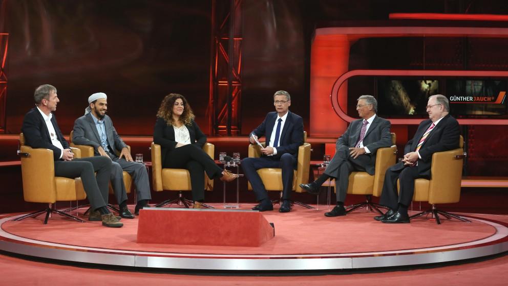 Stefan Buchem (Journalist), Abdul Adhim Kamouss (Imam in Berlin), Oezlem Gezer (Journalistin), Guenther Jauch (Moderation), W
