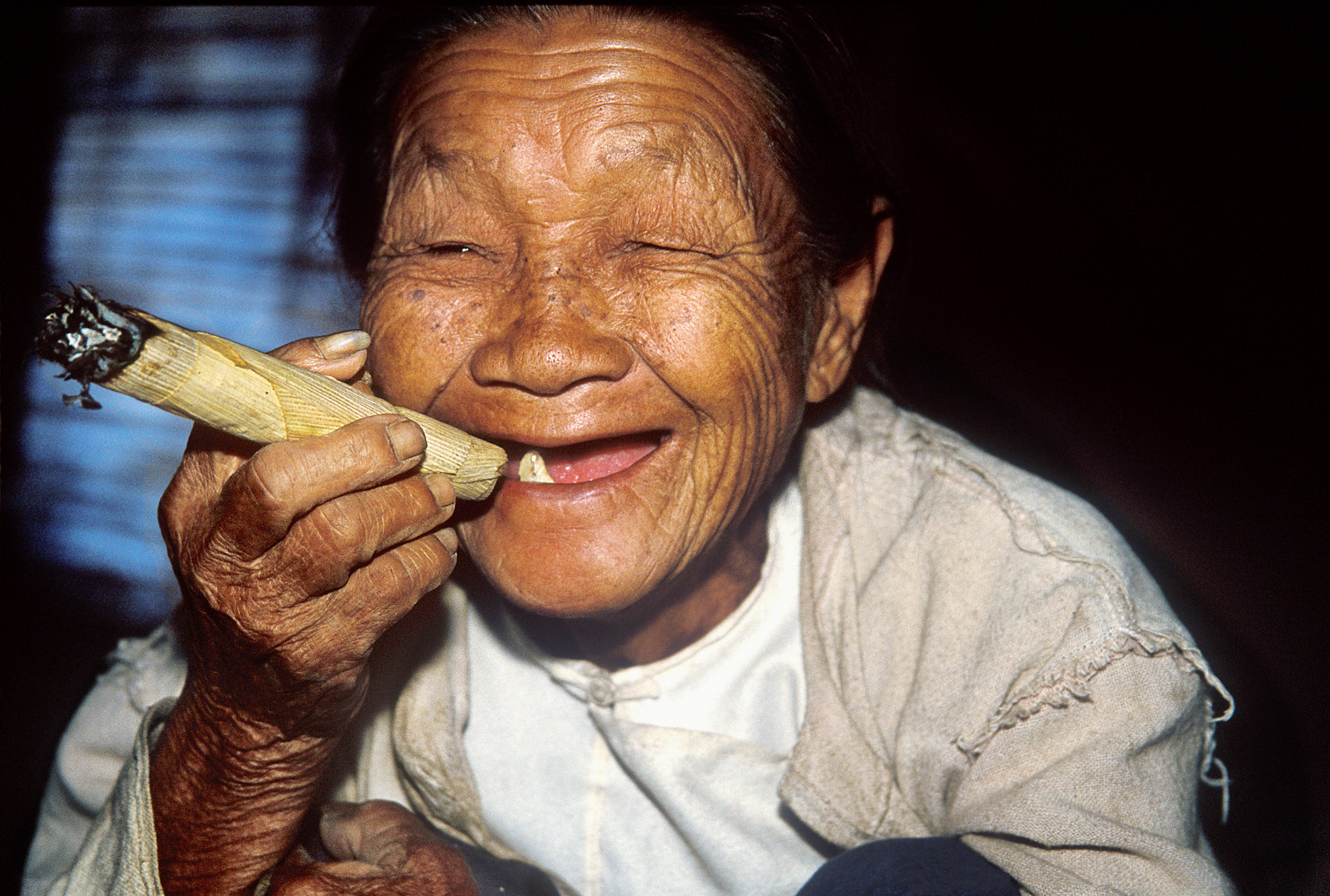 [UNVERIFIED CONTENT] the cigar appears to be rolled with dried corn leaves. it takes so little to be happy. one tooth left in