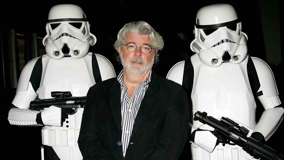 HOLLYWOOD - OCTOBER 03:  ***EXCLUSIVE ACCESS***  Director George Lucas presents the film 'Star Wars - Episode IV: A New Hope'