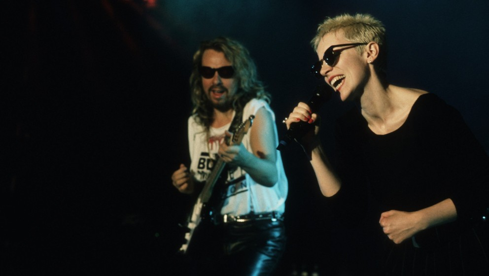 Eurythmics (Dave Stewart, Annie Lennox), 1988 / Musik, music, Pop, singer, Sängerin, Personen, Auftritt, Gesang, Gitarre, ro