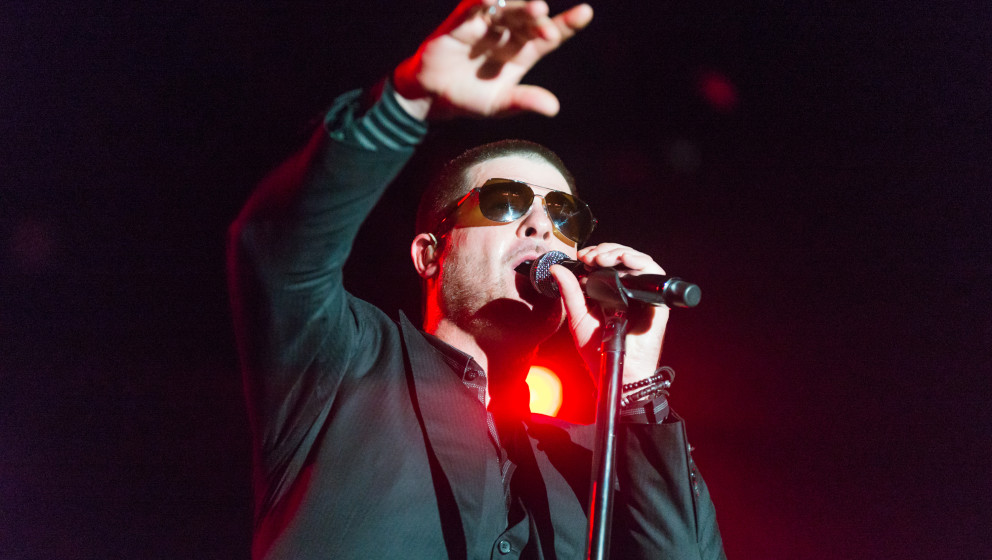ROTTERDAM, NETHERLANDS - JULY 11: Robin Thicke performs on stage at North Sea Jazz Festival on July 11, 2014 in Rotterdam, Ne