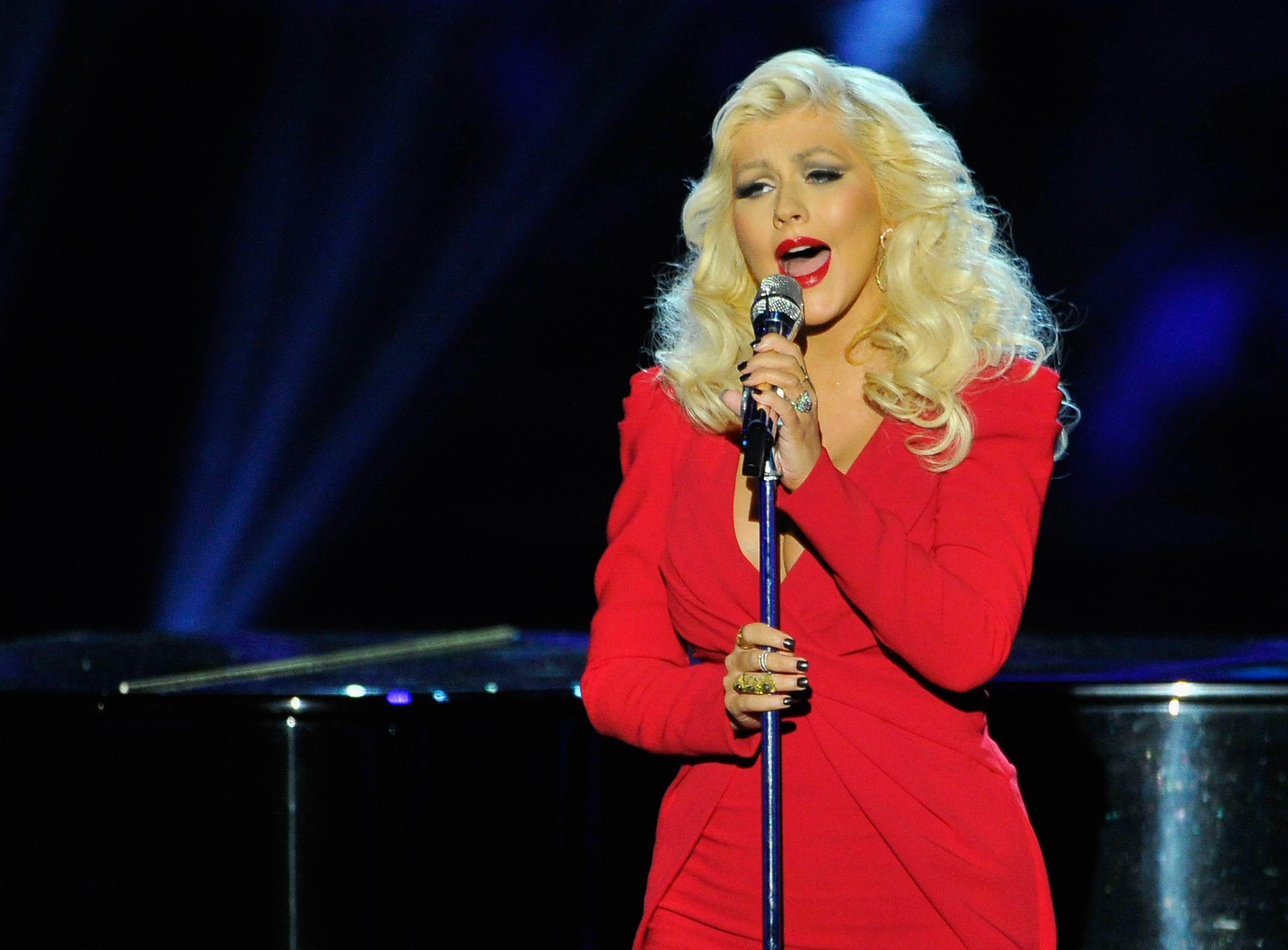 MOUNTAIN VIEW, CA - NOVEMBER 09:  Singer Christina Aguilera performs onstage during the Breakthrough Prize Awards Ceremony Ho