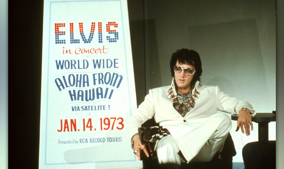LAS VEGAS - SEPTEMBER 4: Rock 'n' Roll star Elvis Presley holds a press conference at the Las Vegas Hilton Hotel to announce
