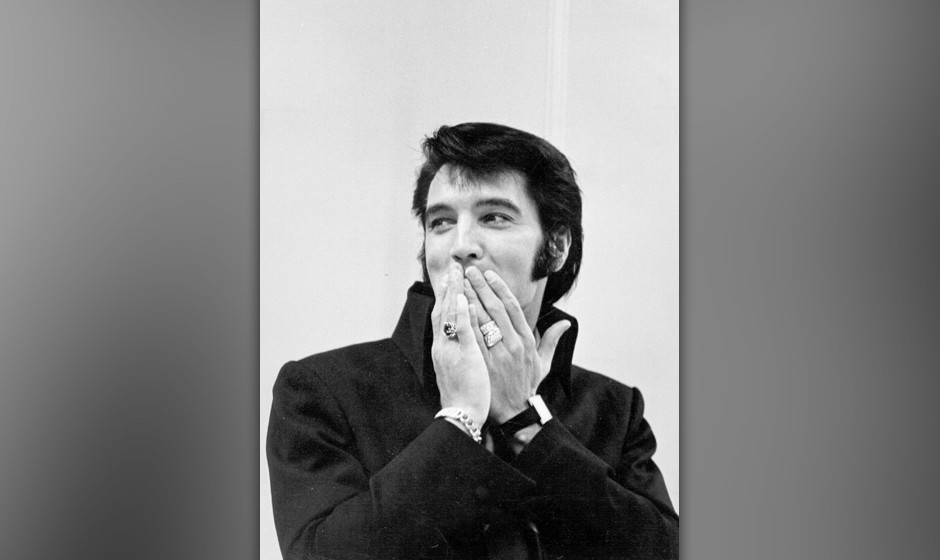 LAS VEGAS, NV - AUGUST 1: Rock and roll musician Elvis Presley during a press conference after his first performance at the I