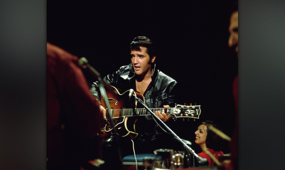 BURBANK, CA - JUNE 27: Rock and roll musician Elvis Presley performing on the Elvis comeback TV special on June 27, 1968. (Ph