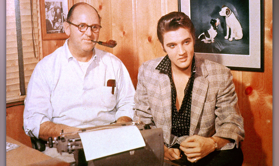 UNITED STATES - JANUARY 01:  (AUSTRALIA OUT) USA  Photo of Colonel Tom PARKER and Elvis PRESLEY, with manager Colonel Tom Par