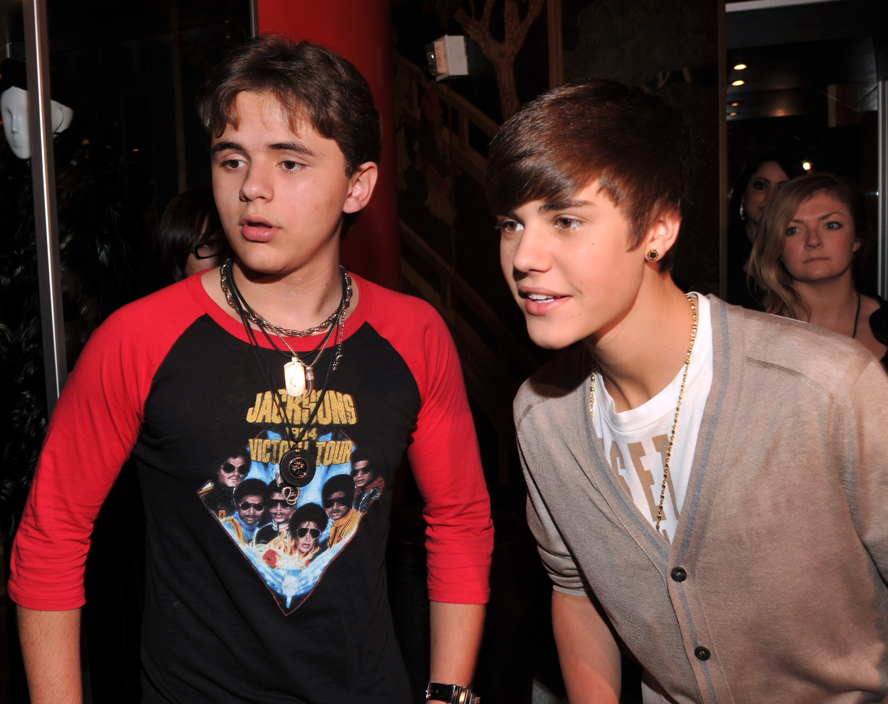 LOS ANGELES, CA - JANUARY 26:  Prince Michael Jackson and Justin Bieber attend the immortalization of Michael Jackson at Grau