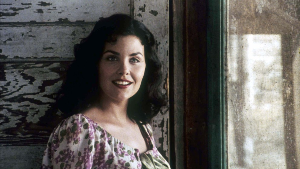 OF MICE AND MEN [US 1992]  SHERILYN FENN as Curley's wife     Date: 1992 (Mary Evans Picture Library) Keine Weitergabe an Dri