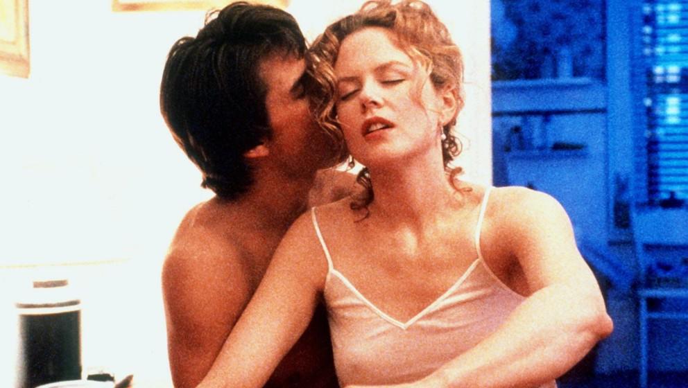 Das US-Schauspielerehepaar Nicole Kidman und Tom Cruise spielen eine Liebesszene im Film 'Eyes Wide Shut'(undatiert). Hollywo