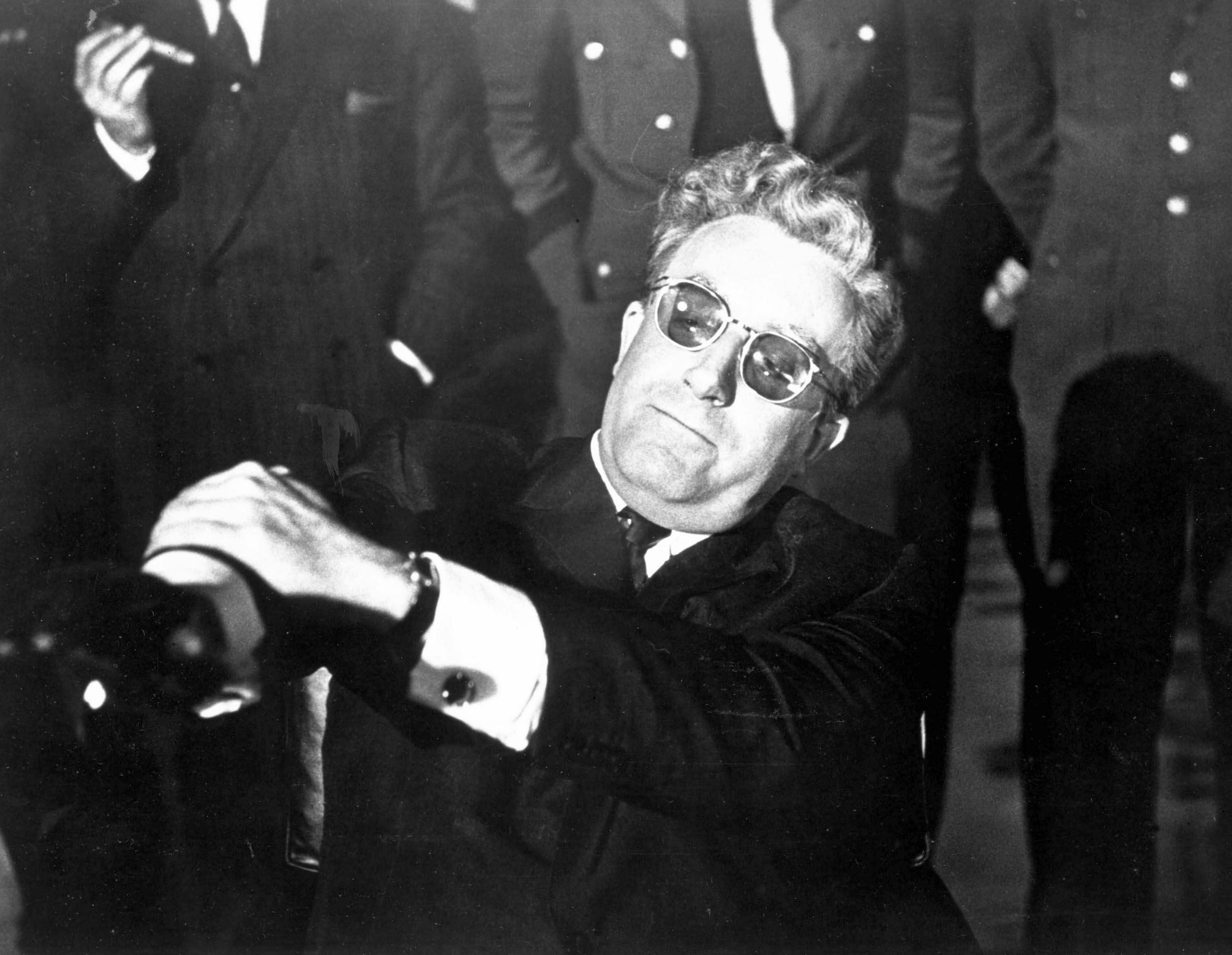 DR. STRANGELOVE OR: HOW I LEARNED TO STOP WORRYING AND LOVE THE BOMB [BR 1964] aka DR. STRANGELOVE PETER SELLERS as Dr Strang