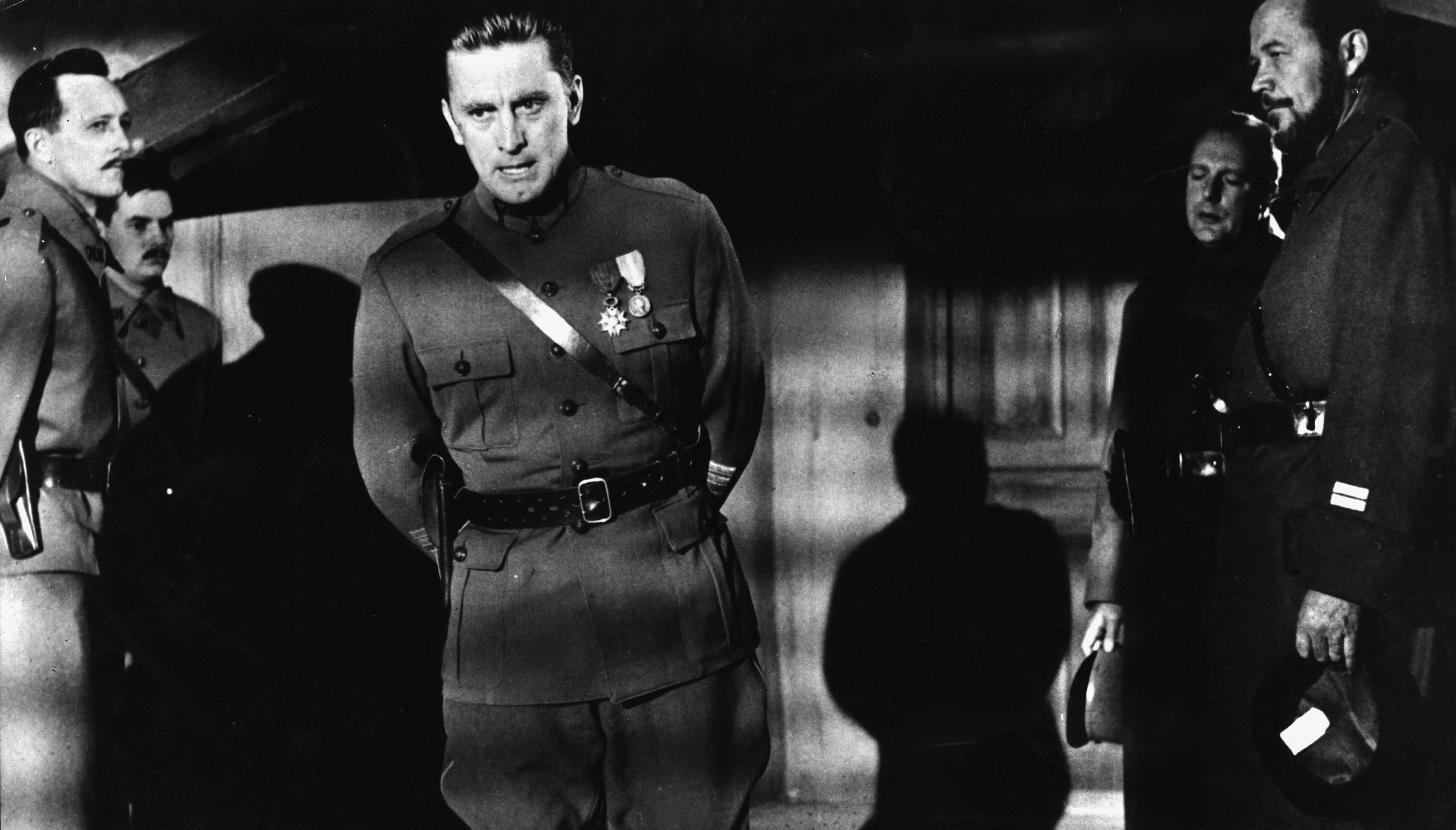 Kirk Douglas in 'Wege zum Ruhm'  Film: 'Wege zum Ruhm' (Paths of Glory) (USA 1957; Regie: Stanley Kubrick; Buch: Stanley Kubr