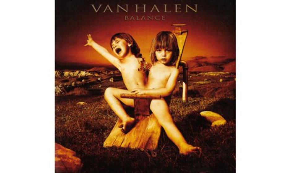 Van Halen, 'Balance' (1995).  Siamesische Zwillinge auf einer Schaukel? In den USA musste einer per Photoshop entfernt werden