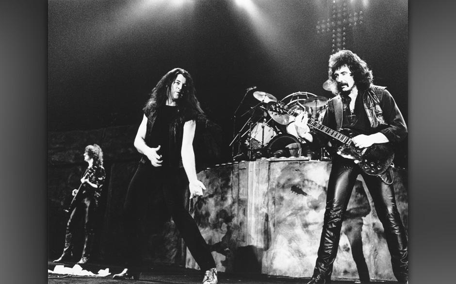 (NO OVERSEAS AGENTS)    Geezer Butler, Ian Gillan and Tony Iommi of Black Sabbath in 1984 during Black Sabbath File Photos in