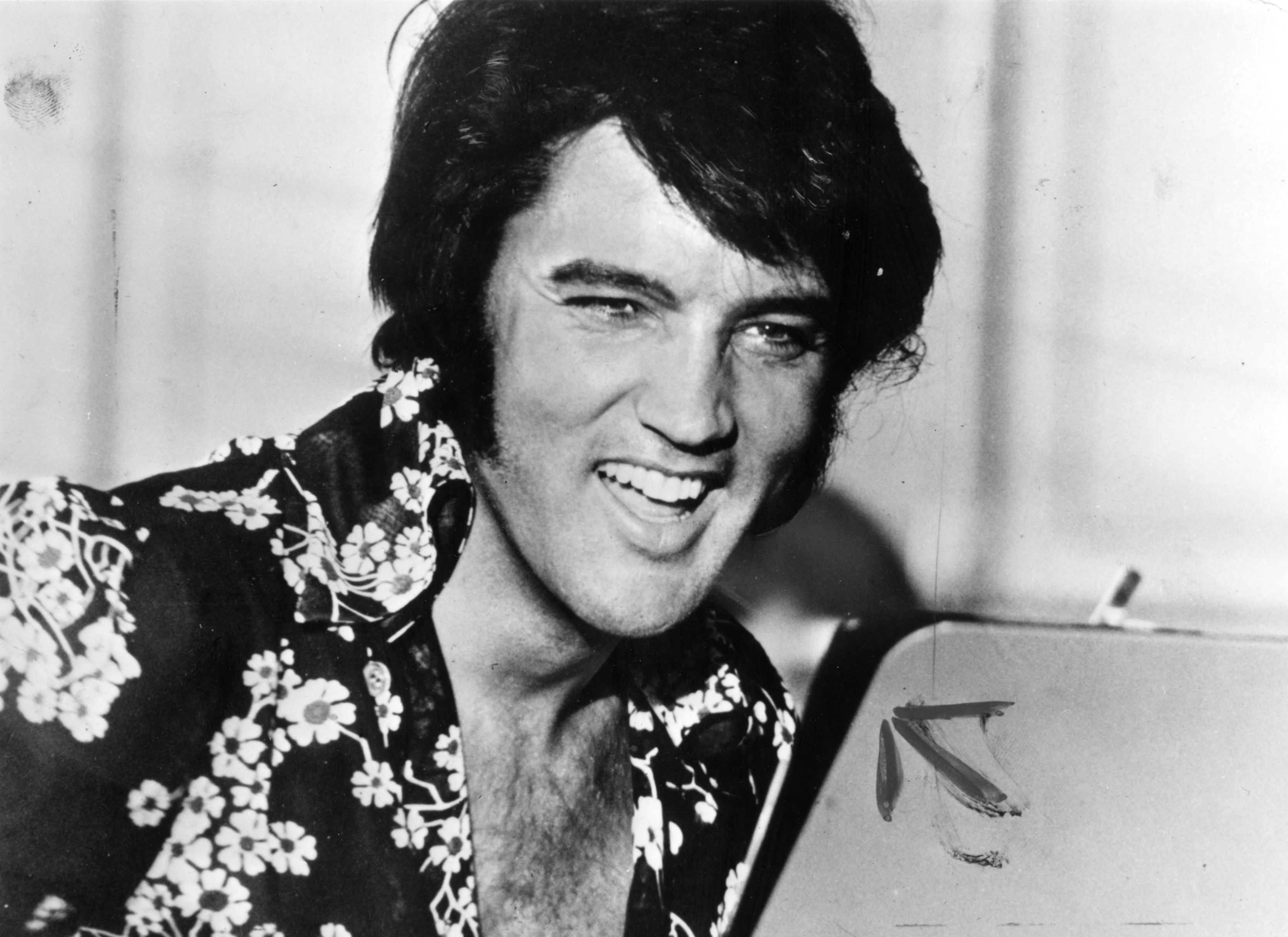 circa 1975:  American popular singer and film star Elvis Presley (1935 - 1977), to his fans the undisputed 'King of Rock 'n'