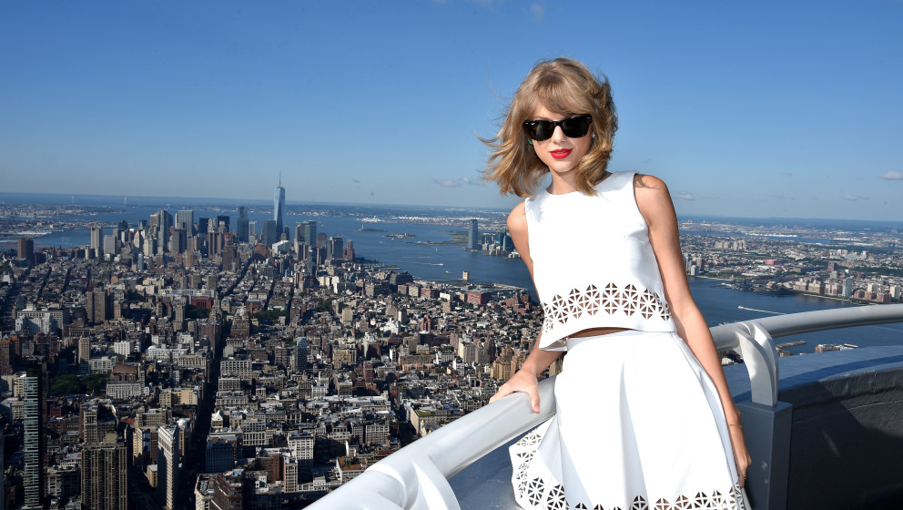 NEW YORK, NY - AUGUST 14:  Yahoo Taping With Taylor Swift on August 14, 2014 in New York City.  (Photo by Dimitrios Kambouris
