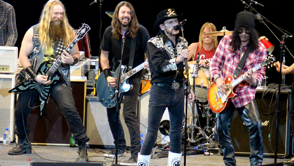 INGLEWOOD, CA - JANUARY 10:  (Exclusive Coverage) Zakk Wylde, Dave Grohl, Lemmy Kilmister and Slash perform onstage during Da