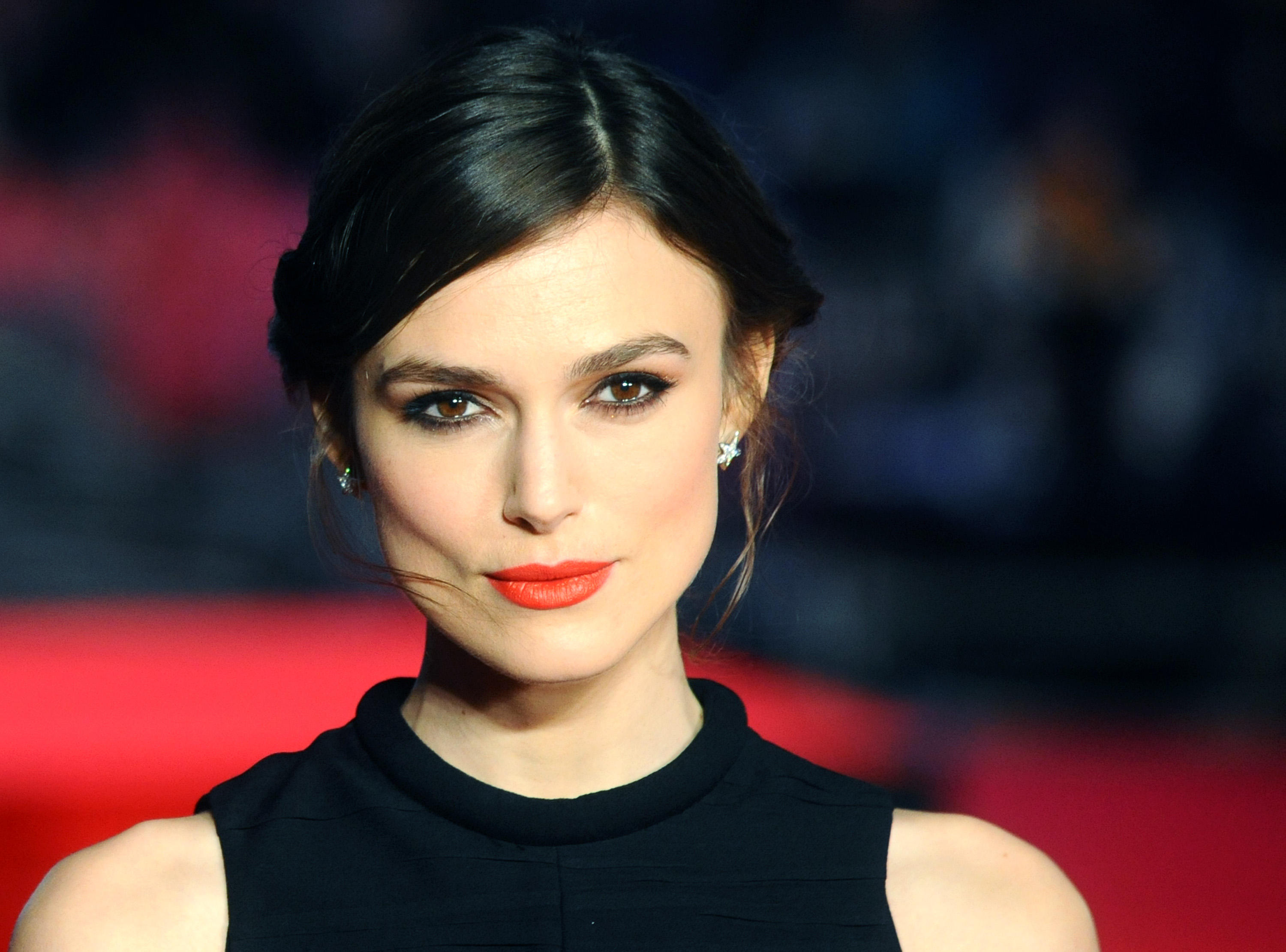 LONDON, ENGLAND - JANUARY 20:  Keira Knightley attends the UK Premiere of 'Jack Ryan: Shadow Recruit' at Vue Leicester Square