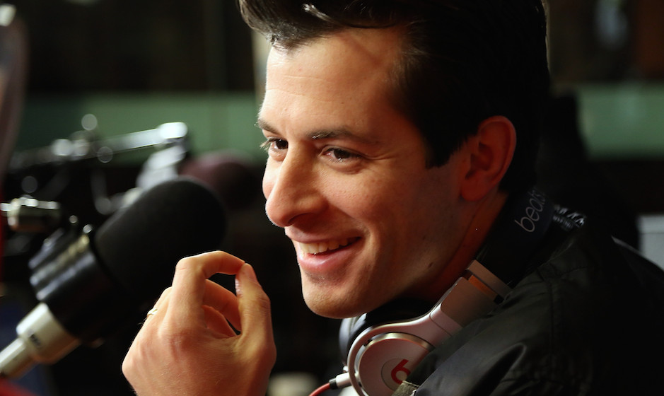 NEW YORK, NY - DECEMBER 08:  Mark Ronson visits SiriusXM Studios on December 8, 2014 in New York City.  (Photo by Monica Schi
