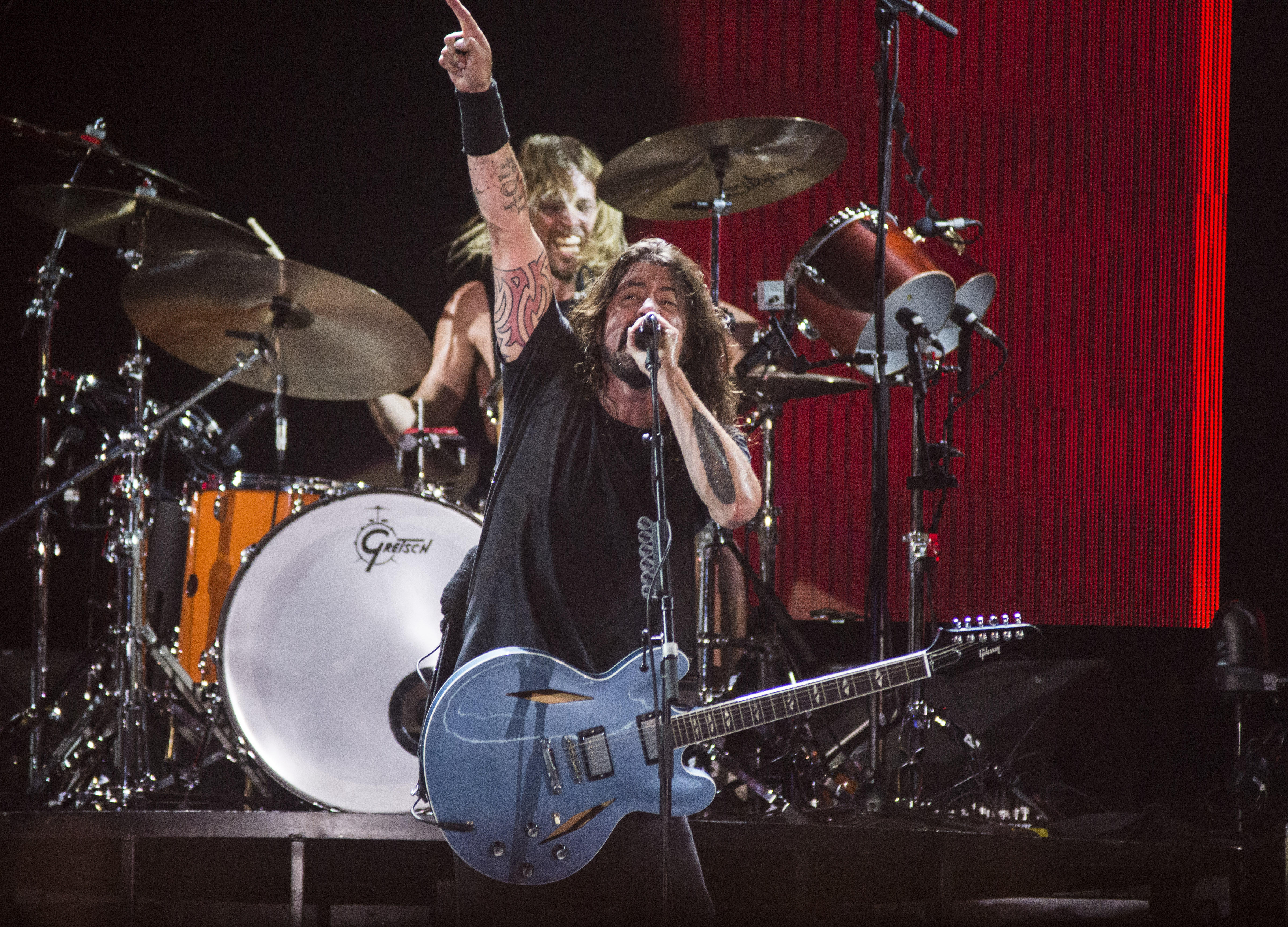 RIO DE JANEIRO, BRAZIL - JANUARY 25: Foo Fighters perform at Maracana on January 25, 2015 in Rio de Janeiro, Brazil. (Photo b