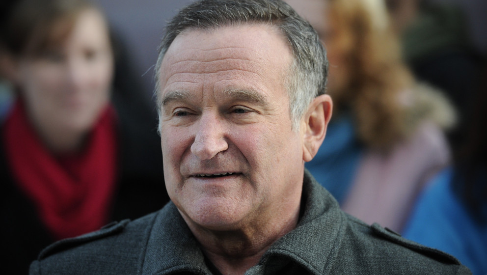 US actor Robin Williams arrives for the European premiere of 'Happy Feet Two' in central London on November 20, 2011. AFP PHO