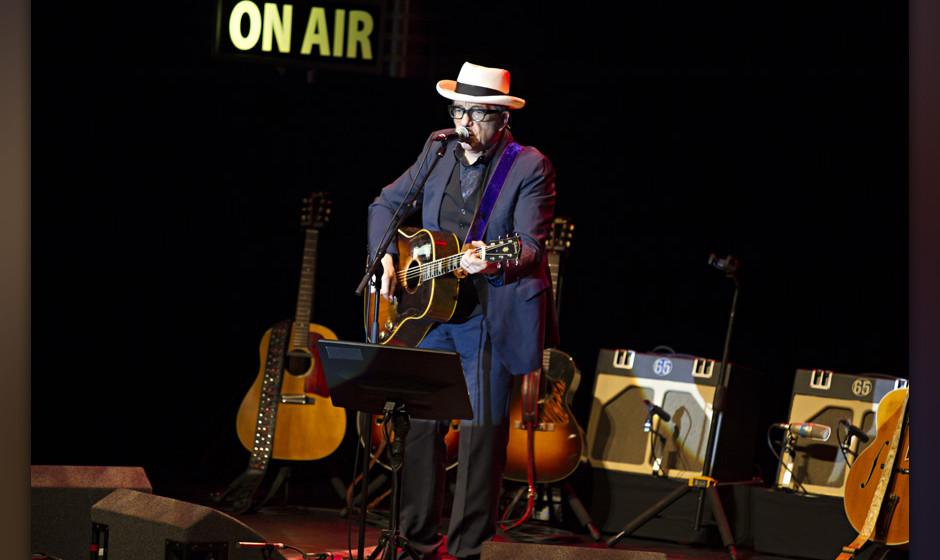 Platz 80: Elvis Costello  Liz Phair über Elvis Costello: Elvis ist ein Poet mit dem Herzen eines Punks. Wenn er sich in eine