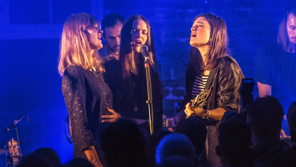 LONDON, ENGLAND - OCTOBER 27:  Emily Staveley-Taylor, Milly Staveley-Taylor and Jessica Staveley-Taylor of The Staves perform