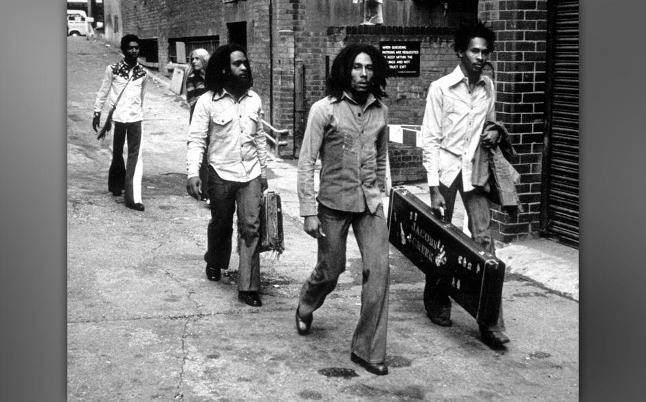 Event: Arriving at Birmingham Odeon in 1974.Artist: Bob Marley.Photographer: Ian Dickson.Credit: Ian Dickson/Redferns.Cop