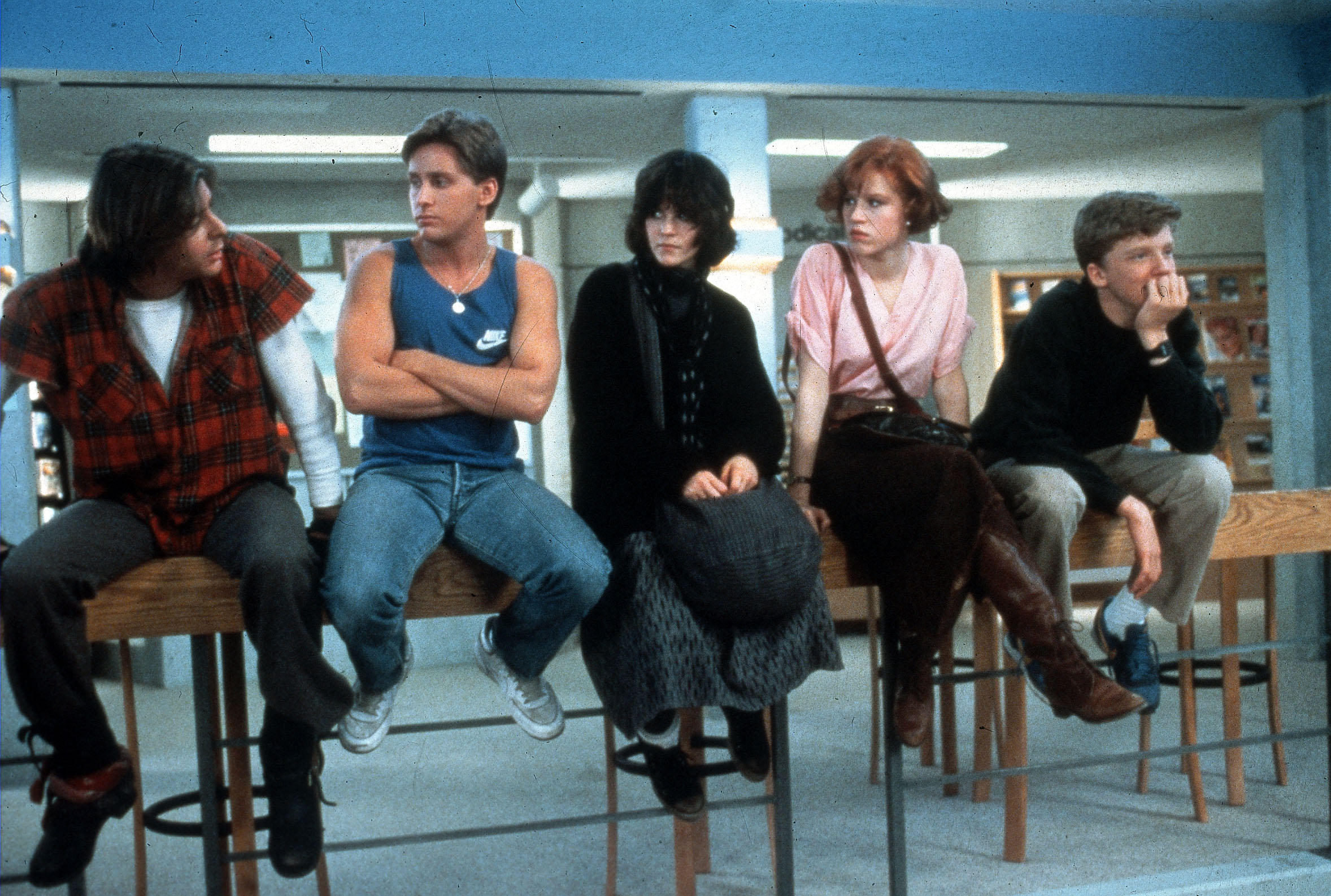 THE BREAKFAST CLUB [US 1985]   JUDD NELSON, EMILIO ESTEVEZ, ALLY SHEEDY, MOLLY RINGWALD, ANTHOINY MICHAEL HALL     Date: 1985